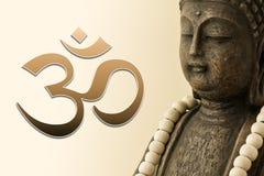 Figura di Buddha e simbolo del OM Fotografie Stock