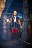 Figura di cera del banditore nelle vie di vecchia città nel museo di signora Tussauds a Londra Fotografia Stock