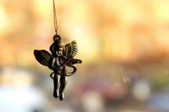 Figura dorada de la Navidad del ángel fotos de archivo