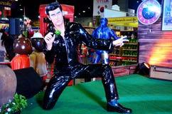 A figura Elvis Presley modelo para povos toma a foto fotografia de stock