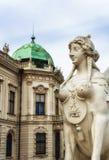 Figura en el belvedere, Viena Imagenes de archivo
