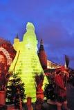 Figura enorme del ghiaccio di una donna a Mosca La bambola di Maslenitsa Fotografie Stock Libere da Diritti