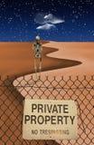 Figura esqueletal no deserto Imagem de Stock