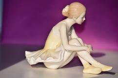 Figura hermosa de la porcelana de una señora bastante joven Ballet Dancer Fotos de archivo