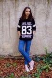 Figura inteira do retrato adolescente da menina Fotografia de Stock