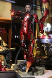 Figura modelo de IRONMAN en la exhibición en casa imagen de archivo