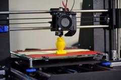 Figura moderna primo piano di stampa della stampante 3D Fotografia Stock