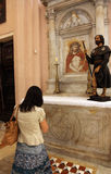 Figura pregare della donna Immagine Stock Libera da Diritti