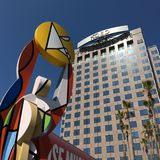 Figura que lleva a cabo el Sun, San Jose fotos de archivo