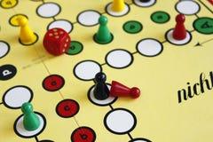 Figura sorte do jogo do jogo do boardgame irritada foto de stock royalty free