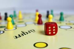 Figura sorte do jogo do jogo do boardgame irritada fotos de stock royalty free
