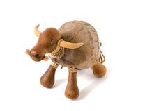 Figura tailandese ingenuo della scultura del toro o della mucca Fotografia Stock