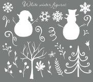 Figuras blancas y de plata de la Navidad del invierno de los muñecos de nieve, árboles, hojas, bayas, escarchadas stock de ilustración