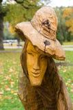 Figuras de madera como de cuento de los cuentos primaeval de Slawic de Grzegorz Michalek Foto de archivo