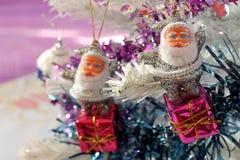 Figuras de Papá Noel Fotos de archivo