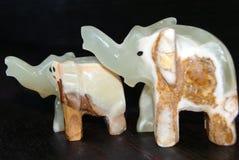 Figuras de pedra da felicidade feito a mão dos elefantes! imagens de stock royalty free