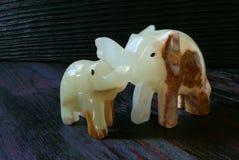 Figuras de pedra da felicidade feito a mão dos elefantes! Fotos de Stock Royalty Free