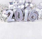 figuras de plata de 2016 años y decoraciones plateadas de los hristmas del ¡de Ð Fotografía de archivo libre de regalías