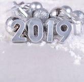 figuras de prata de 2019 anos e decorações prateadas do Natal Fotografia de Stock Royalty Free