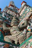 Figuras decorativas em Stupa em Wat Arun Imagens de Stock Royalty Free