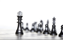 Figuras del ajedrez - estrategia y dirección Imagen de archivo