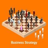 Figuras dos povos da xadrez em uma opinião isométrica do tabuleiro de xadrez Vetor ilustração stock