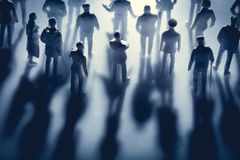 Figuras dos povos e das suas sombras imagens de stock royalty free