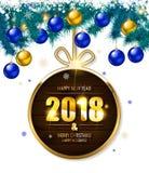 figuras douradas de 2018 anos em um ramo spruce Foto de Stock Royalty Free