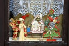 Figuras en la ventana Foto de archivo