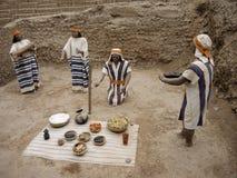 Figuras indígenas en Lima, Perú Imágenes de archivo libres de regalías