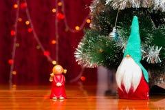 Figuras no tema do Natal imagens de stock royalty free