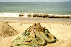Figuras sculpted en arena Imágenes de archivo libres de regalías