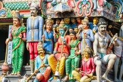 Figuras talladas en el templo de Sri Mariamman, Chinatown, Singapur Imagen de archivo libre de regalías