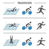 Figure atleti delle siluette di triathlon illustrazione vettoriale