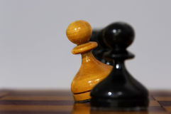 Figure in bianco e nero di scacchi Fotografia Stock Libera da Diritti