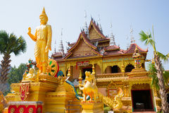 Figure of Buddha and Buddhist palace Royalty Free Stock Photos