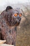 Figure chat noir en bois photos libres de droits