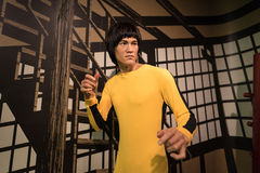Figure de cire de Bruce Lee sur l'affichage photos libres de droits