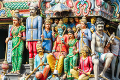 Figure scolpite al tempio di Sri Mariamman, Chinatown, Singapore Immagine Stock Libera da Diritti