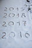 Figure 2017 sulla neve Tema di Natale e del nuovo anno Fotografie Stock Libere da Diritti