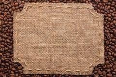 Figurerad ram med säckväv och häftklammer med stället för din text Royaltyfri Bild