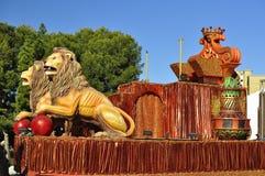 Figures drôles colorées, les Rois magiques Parade Photos stock