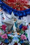 Figurina di un vergine in un altare Fotografie Stock Libere da Diritti