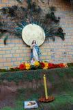 Figurina di un vergine in un altare Immagini Stock