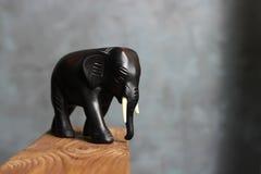 Figurine слона Figurine слона Брайна символ слона Индийский слон стоковые изображения