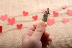 Концепция любов с сердцем сформировала значки на потоках стоковые изображения rf
