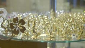 Figurine dei cigni stock footage