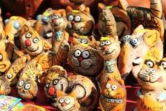 Figurine dell'argilla dei gatti divertenti Fotografia Stock Libera da Diritti