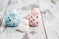 Figurine dell'uccello della madre e di bambino della porcellana immagini stock