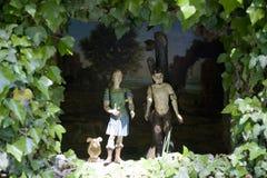 Figurine di una tavola calda dell'acqua nel waterpark del Hellbrunn c fotografie stock libere da diritti